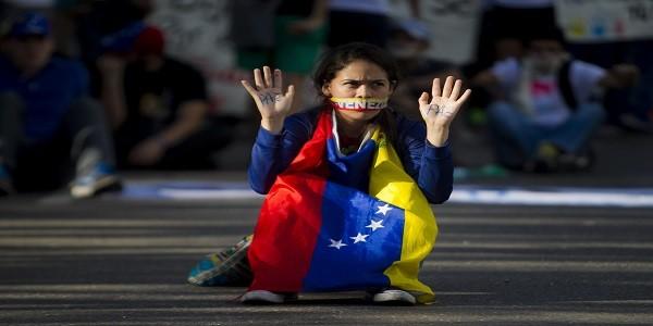 Conversatorio: situación de defensores/as en Venezuela y Perú
